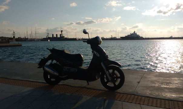 Экскурсия по Афинам на мотоцикле: порт Пирей, Палео Фалиро