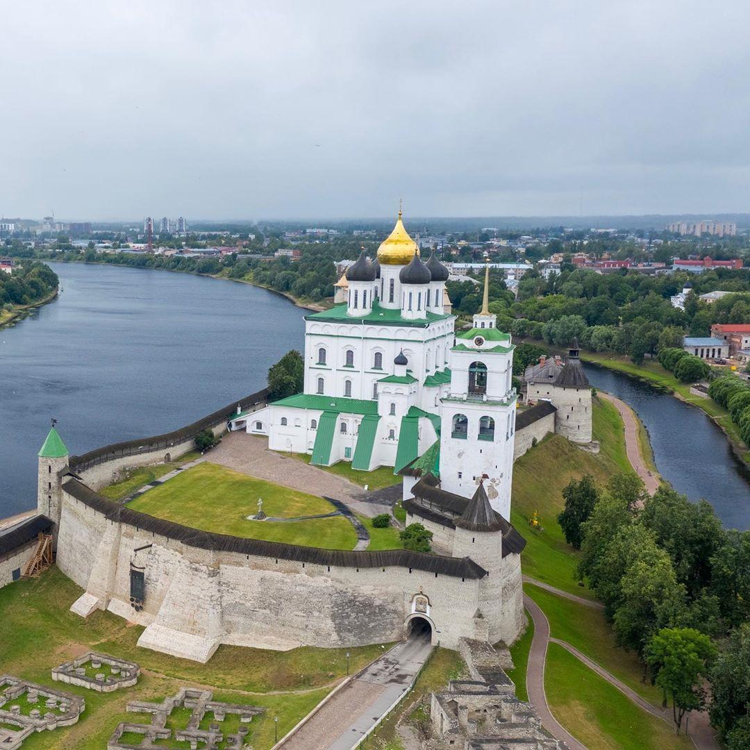 картинки псковского собора странно, данное божество