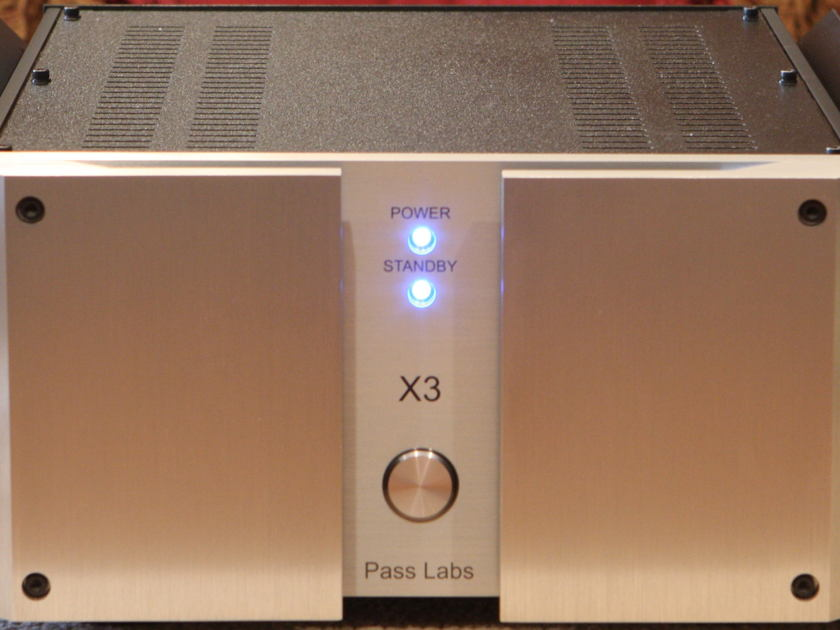 PASS LABS X3 3 CHANNEL POWER AMP