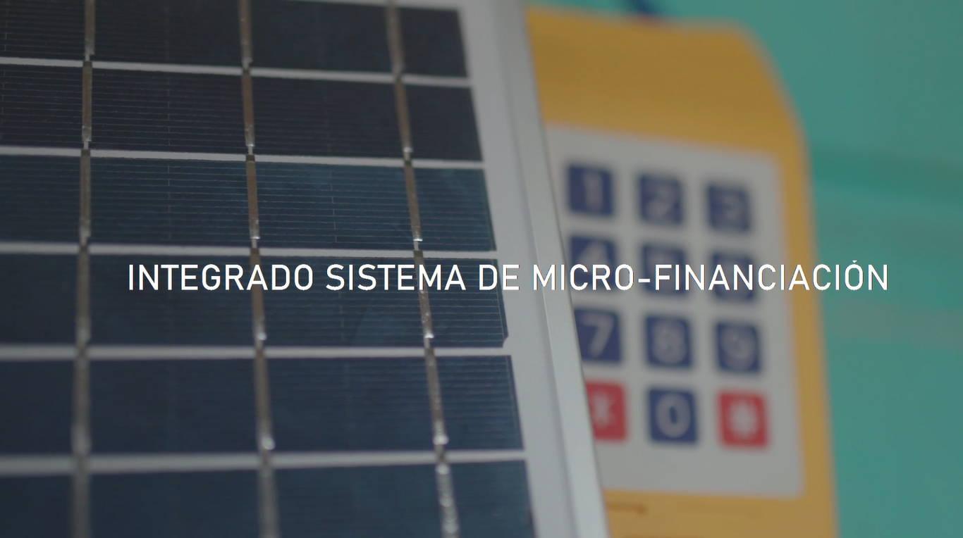 Sistema solar con micro-finanaciación integrado de Light Humanity, empleado en regiones rurales como el Amazonas para acabar con el uso del queroseno.