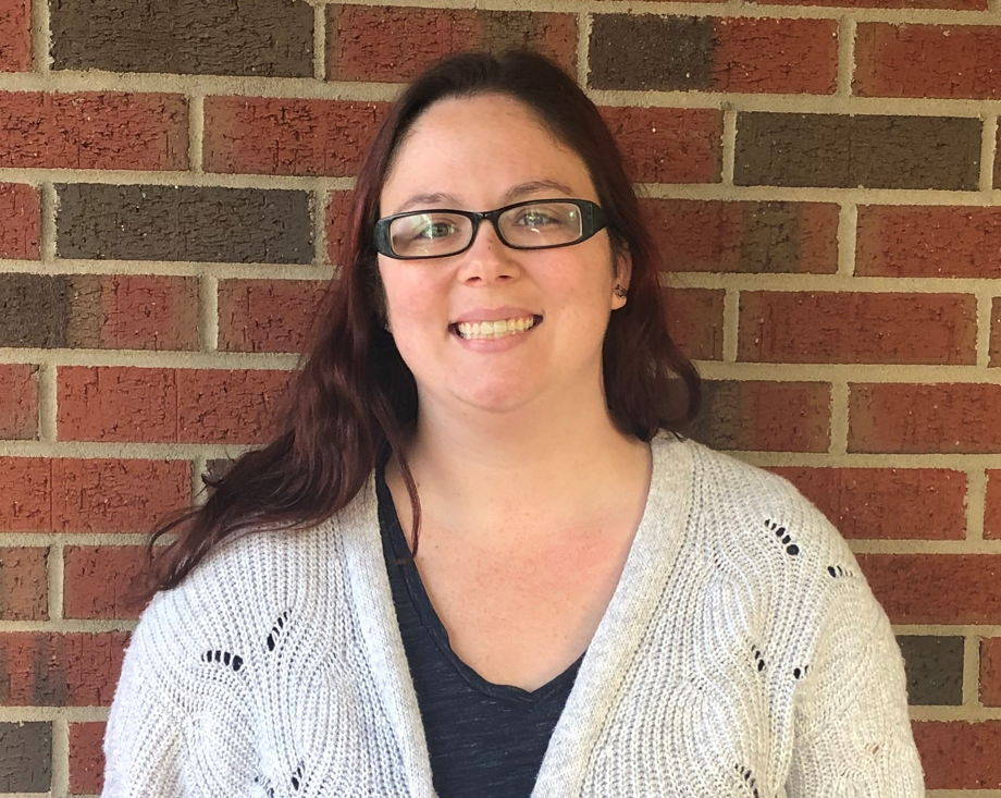 Ms. Lindsay , Young Toddler Teacher