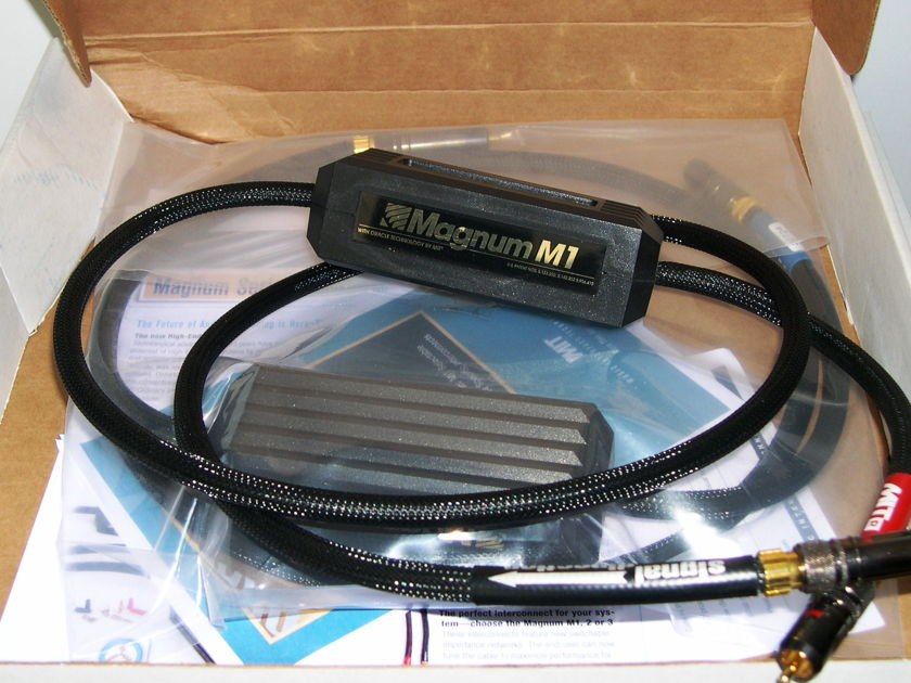 MIT Cables M1 RCA 1M pair. A true classic. USED.  wrnty