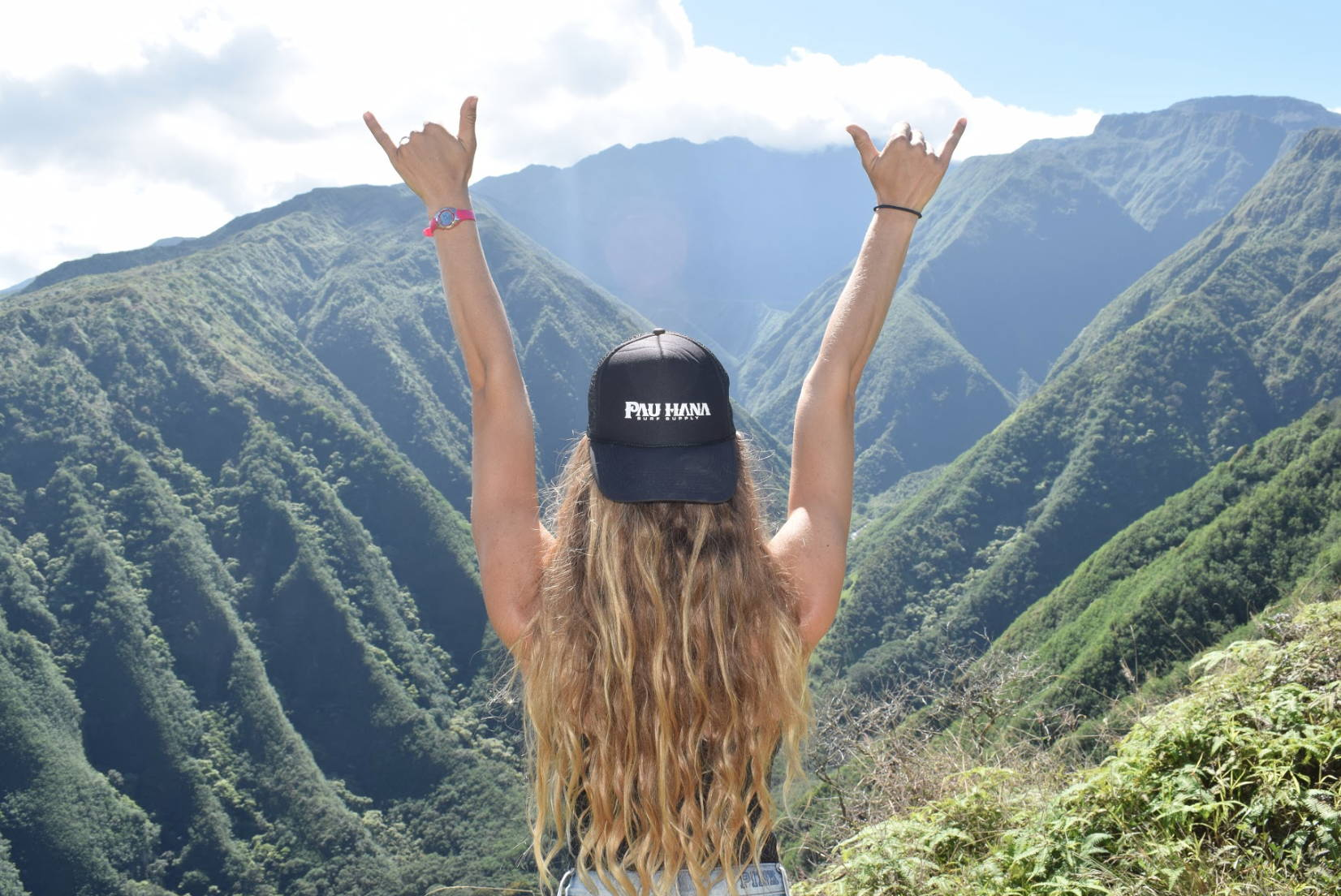 Shaka on Maui with Pau Hana black hat