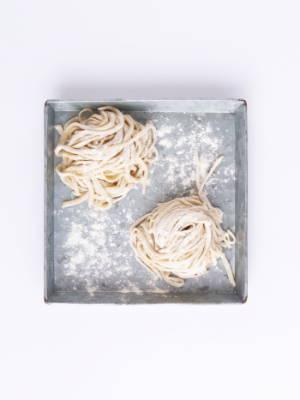 Selbstgemachte Weizennudeln (ohne Ei)