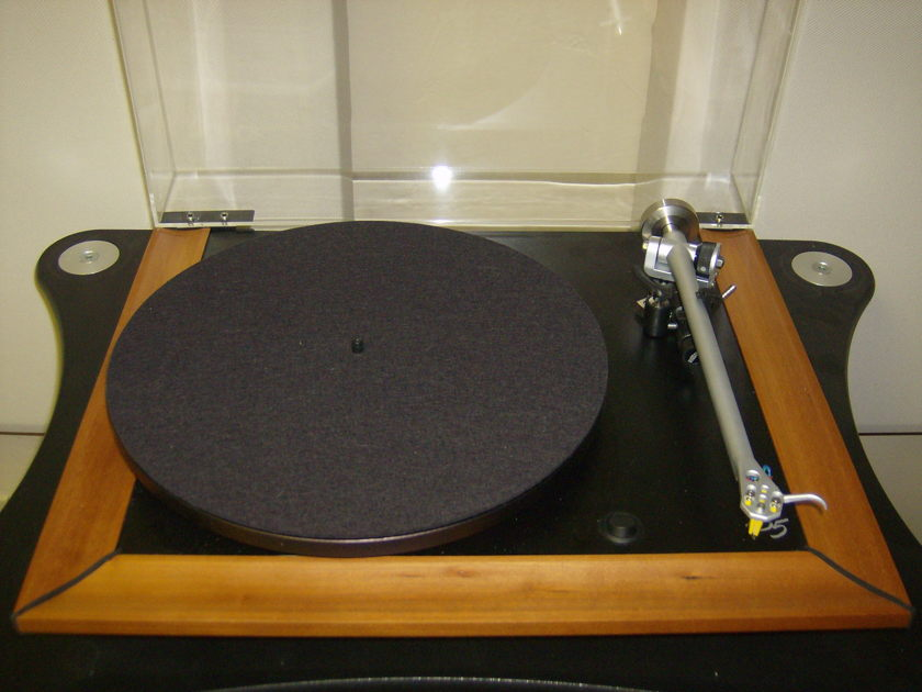 Rega P5 Cherry - Beautiful Condition