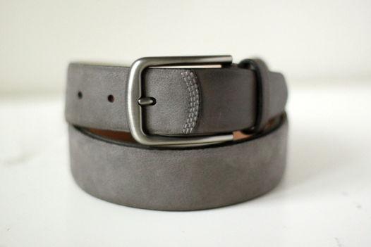 Мужской кожаный серый ремень