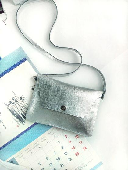 """Плоская сумочка-клатч """"Серебристая"""""""