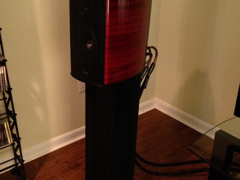 Sonus Faber Guarneri Evolution red with stands Mint customer trade-in
