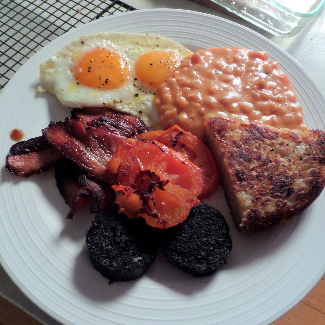 Irish breakfast, bacon, eggs, tomato, cheesy baked beans, black pudding and boxty potato bread wedge. Do not eat more than twice a year!