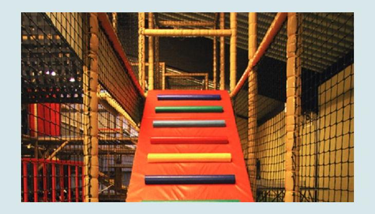 trampolino kinderspielpark klettern