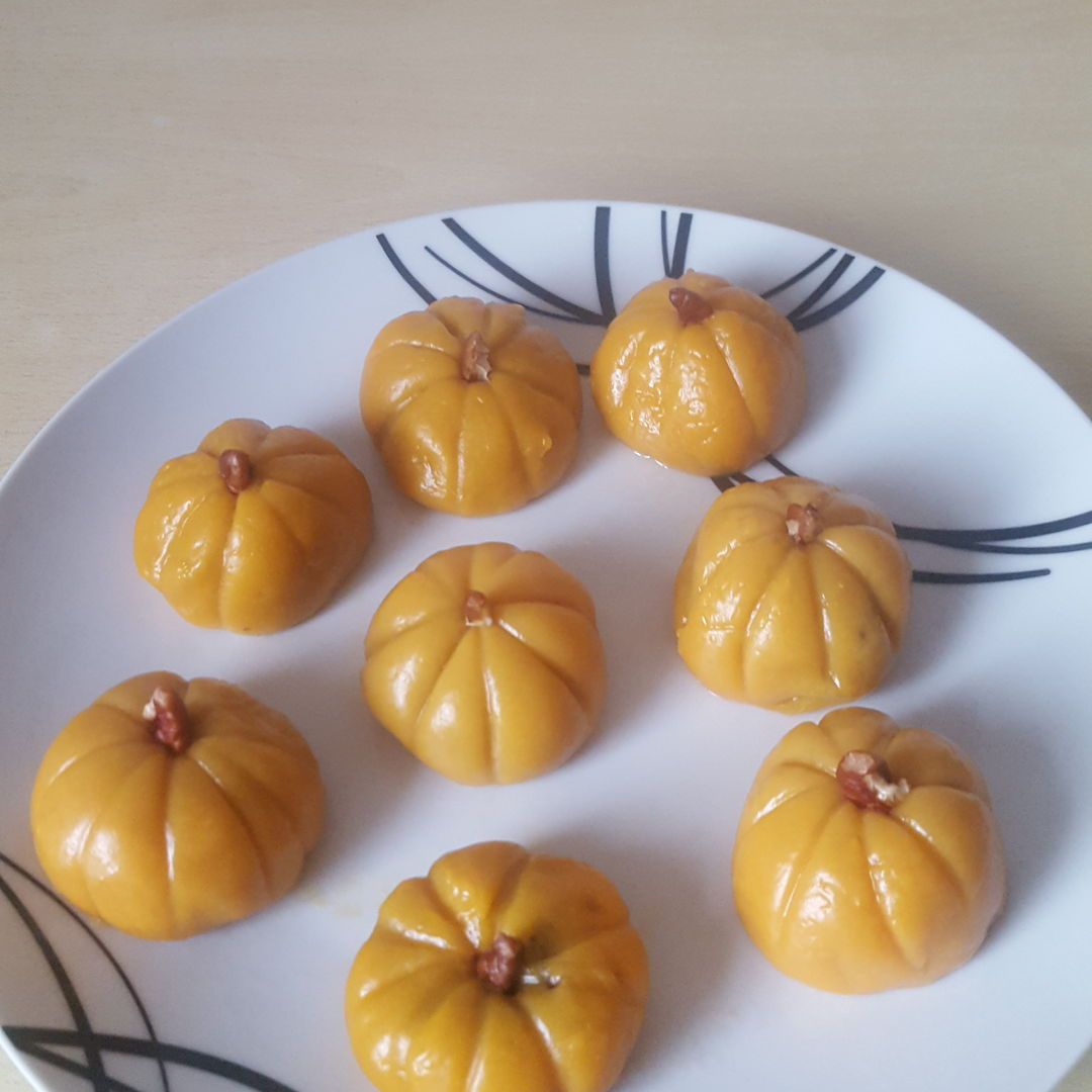 Mochi Pumpkin with Red Bean Filling
