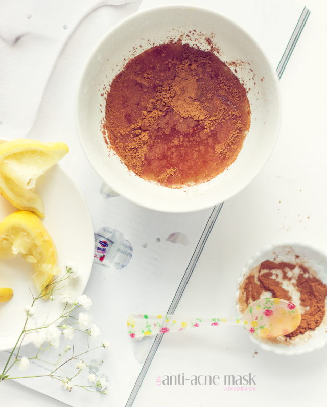 Cinnamon Acne Face Mask with Honey and Lemon