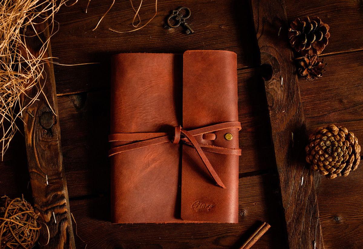 Скетчбук -MYSTERY- со сменными тетрадями А5 в кожаной обложке цвет Cognac