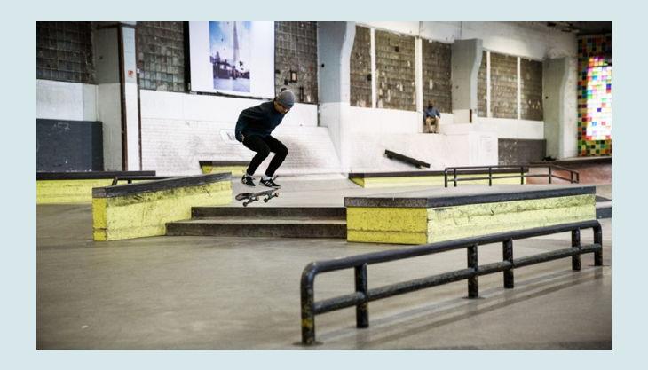 skatehalle berlin melika kickflip