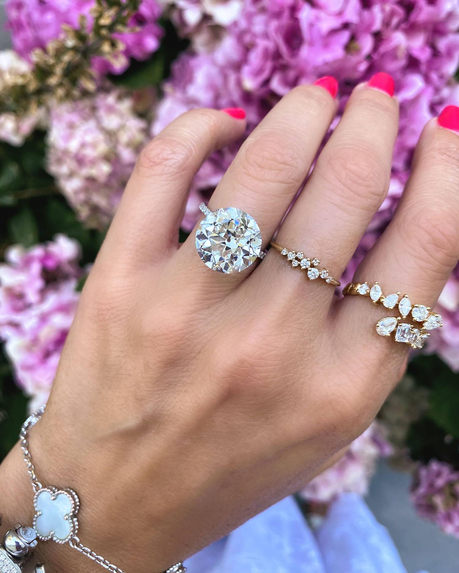 Miss Diamond Ring 7 Carat 8 Carat Round Diamond Engagement Ring