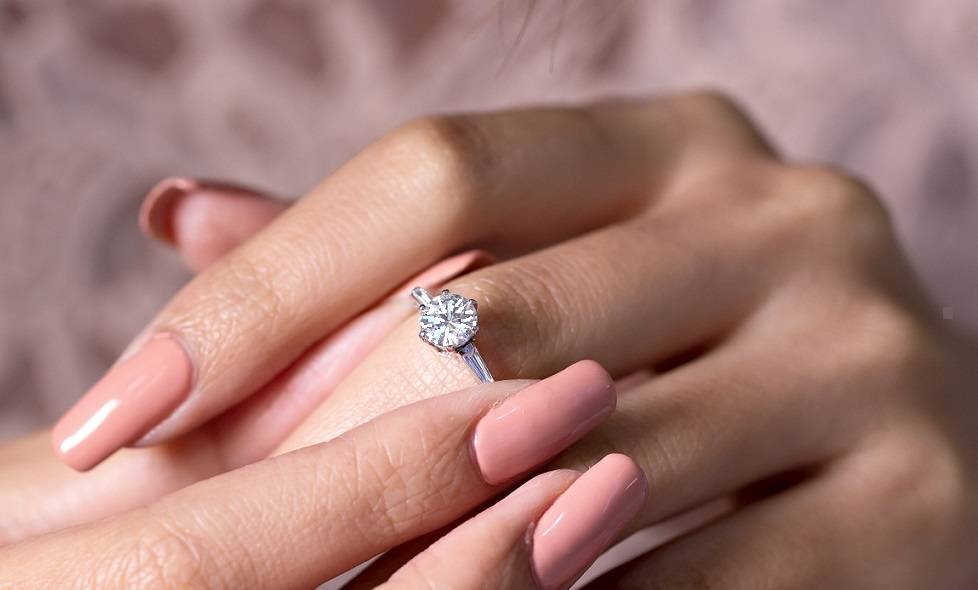 Commission your bespoke diamond engagement ring - Pobjoy Diamonds