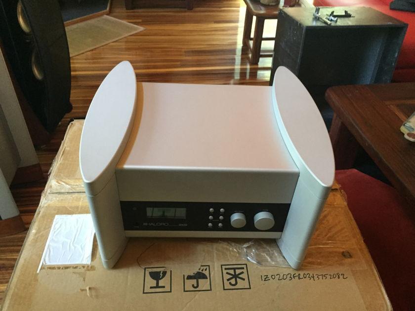 Halcro Amplifiers DM10 preamp Mint customer trade-in