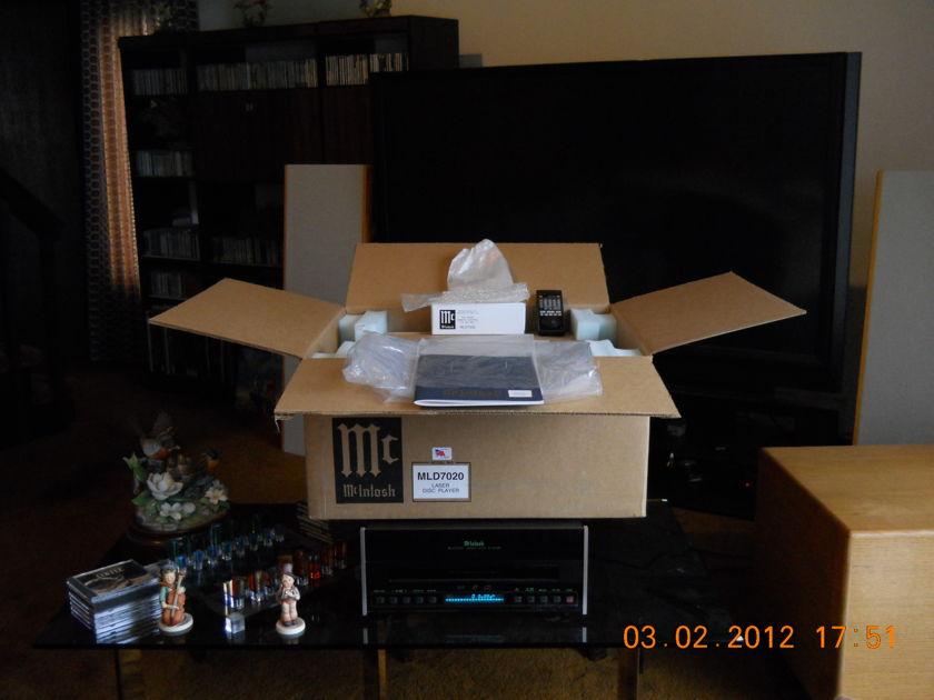 McIntosh MLD-7020 Laser Disc Player, SN 1437