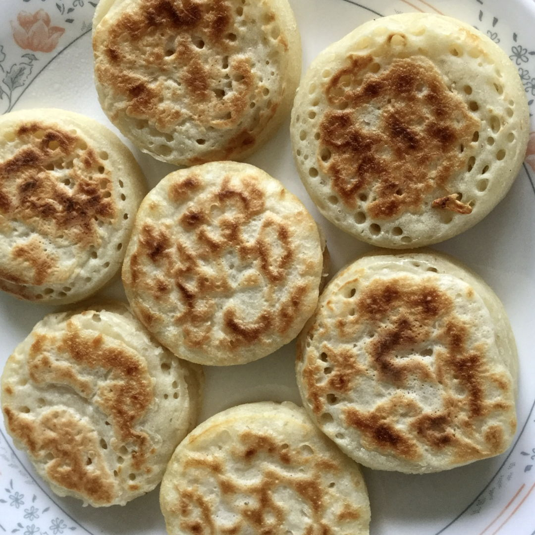 Homemade English crumpets 😋