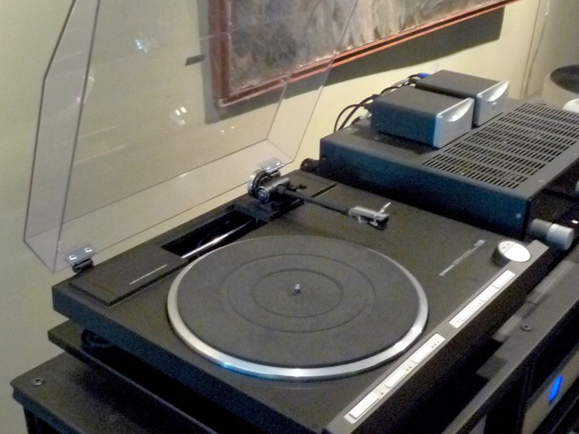 Pioneer PL-1000a  Rare Parallel Tracking Turntable