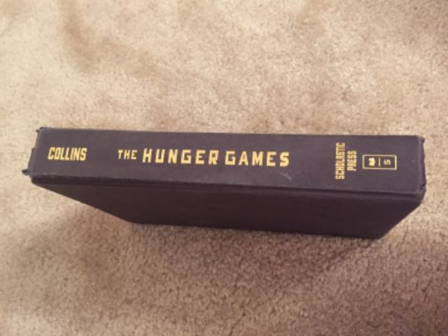 RENTERS BAY: The Hunger Games book