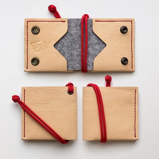 Квадратный бумажник из кожи с фетровой вставкой