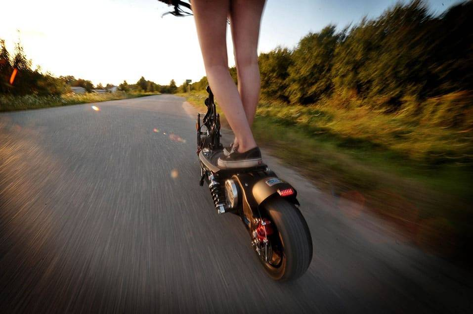 avantages-trotinette-electrique-grosses-roues