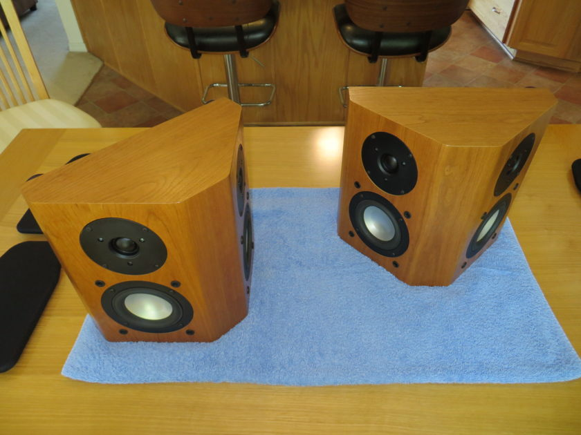 RBH Signature Classic 44-SE On-Wall Surround in Cherry Finish