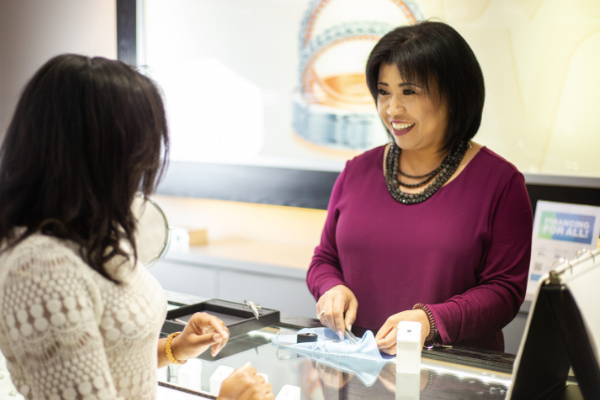 Experience a new way of buying an Engagement Ring - Everett Jewelry