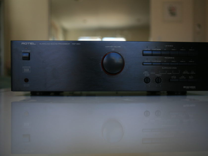 Rotel RSP-980 A/V processor In Like New Condition