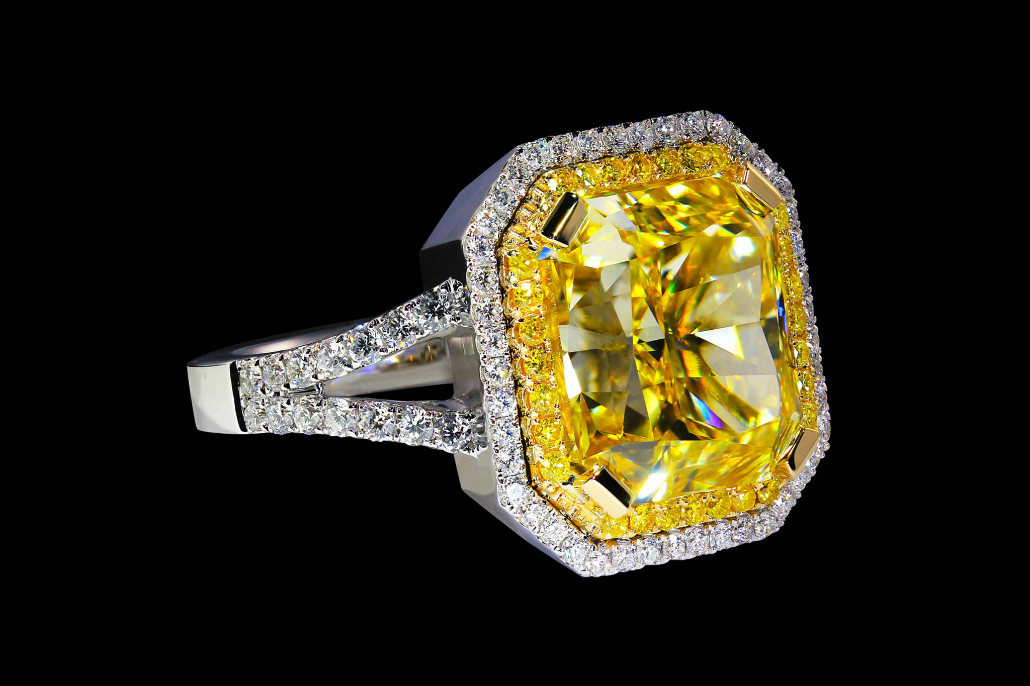 Helios`s Diamond Ring front view