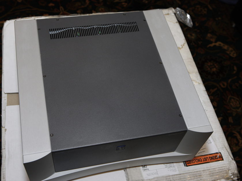 PS Audio GCA-MC-250 5 Channel - 250w/channel