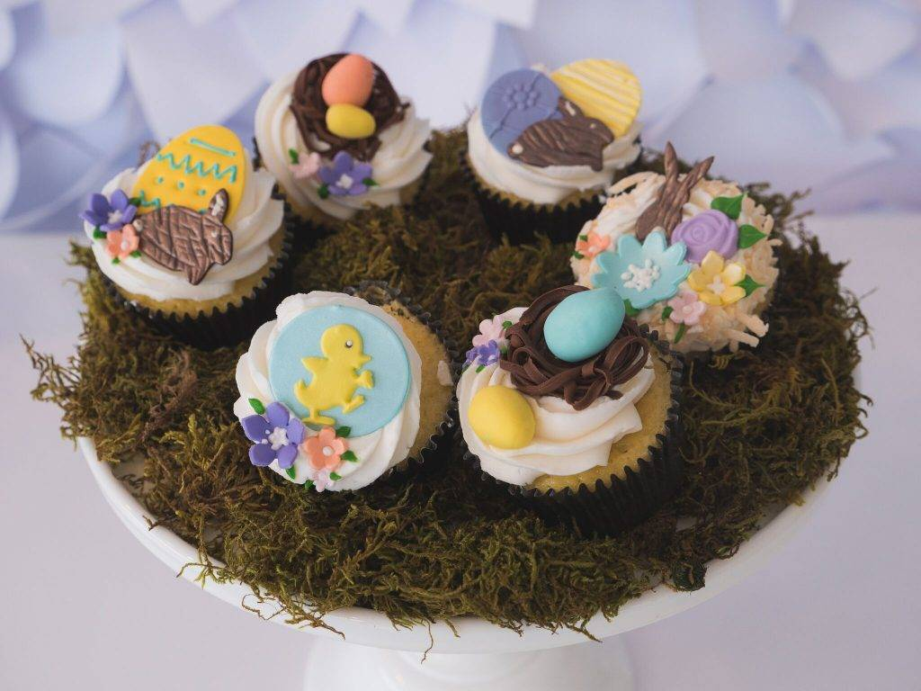 Easter and Spring theme cupcakes from House of Clarendon in Lancaster, PA