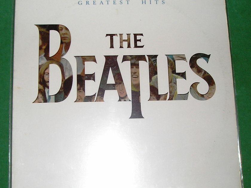 "BEATLES (The)  ""20 GREATEST HITS"" - 1982 CAPITOL RAINBOW - ORIGINAL SLEEVE - CAP83 LABEL * NM 9/10 *"