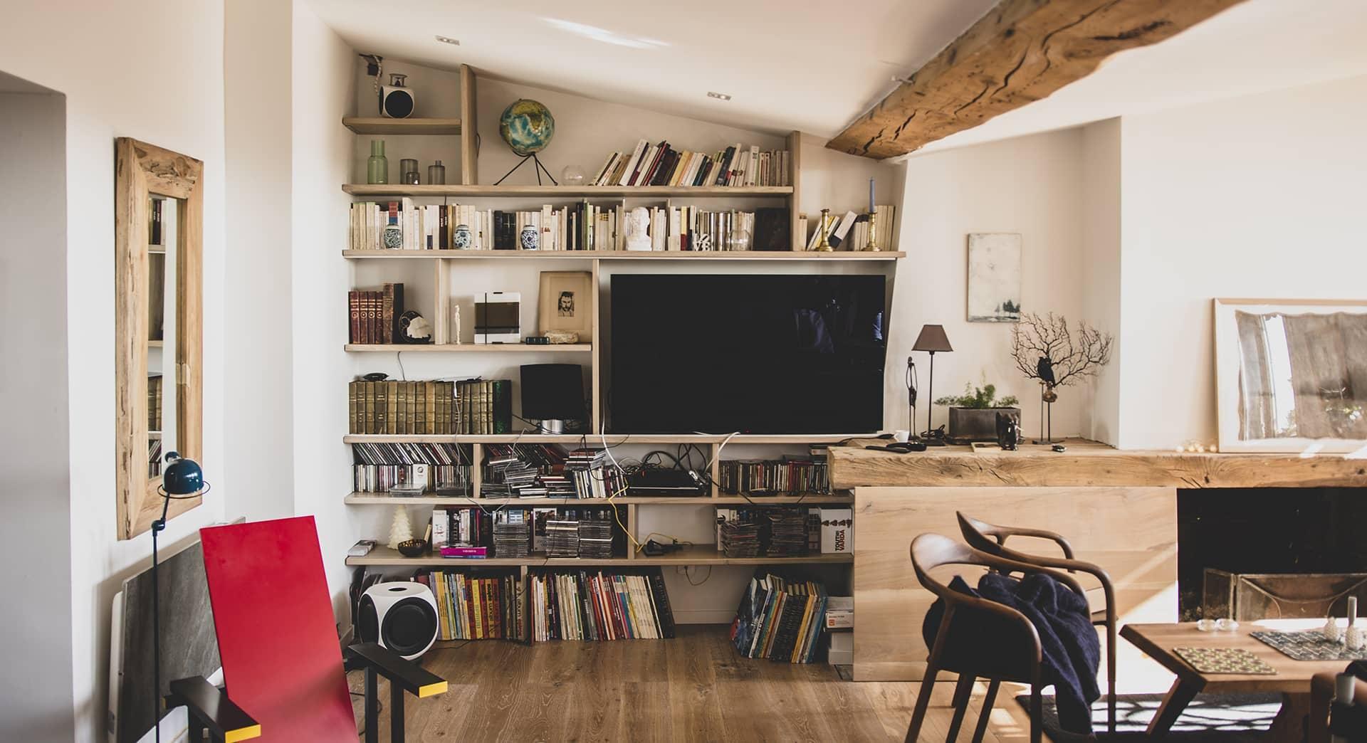 Bibliothèque en bois massif appartement lyon