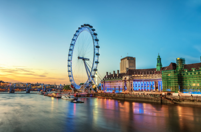 Enjoy the city with London tour guide for the day
