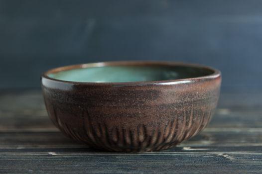 Небольшая керамическая миска ручной работы
