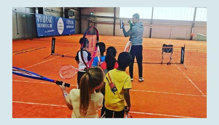 tennisjessen kindergeburtstag spielfeld kinder lernen schlange