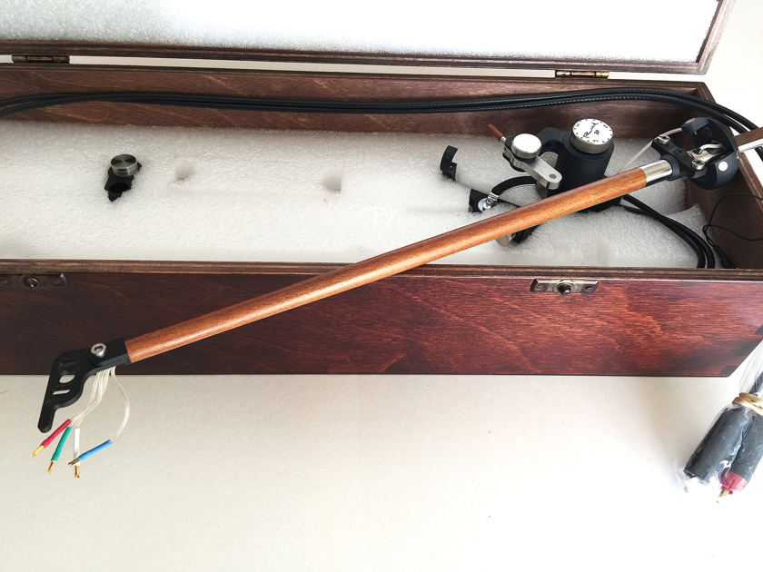 Reed 3P Tonearm - Premium Pernambuco Wood - Eichmann Bullet Plugs