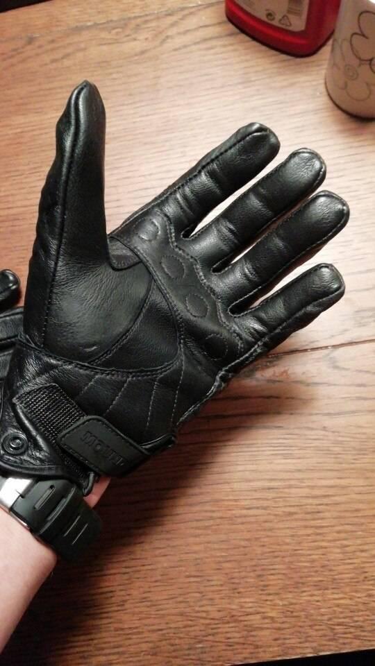 gants trottinette cuir ajustés