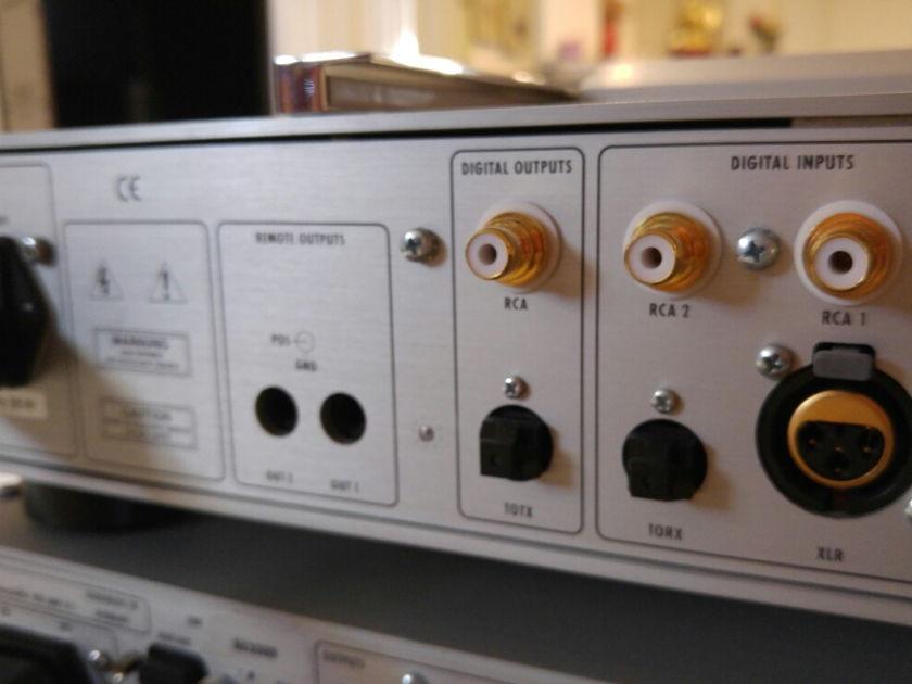 Burmester  001 Hi End belt drive CD player REDUCED