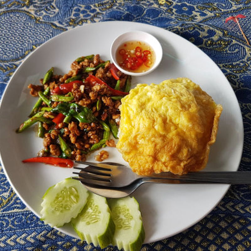 pad krapaw moo in koh chang, does have beans