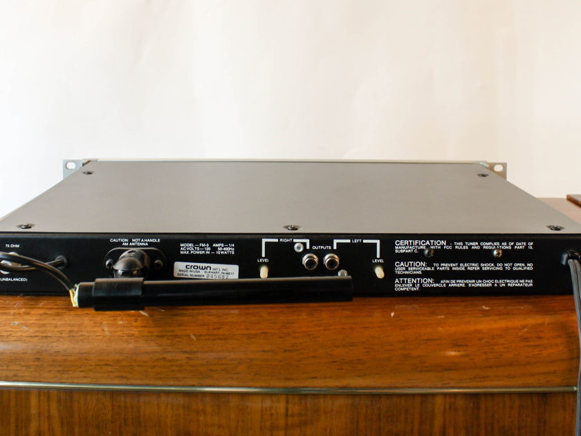 Crown International FM-3 AM/FM Tuner
