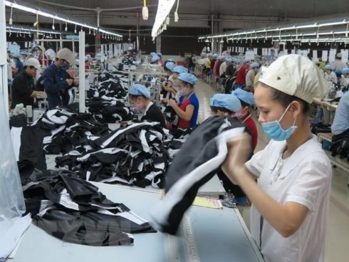 Garment industry eyes 60 billion USD from exports by 2025