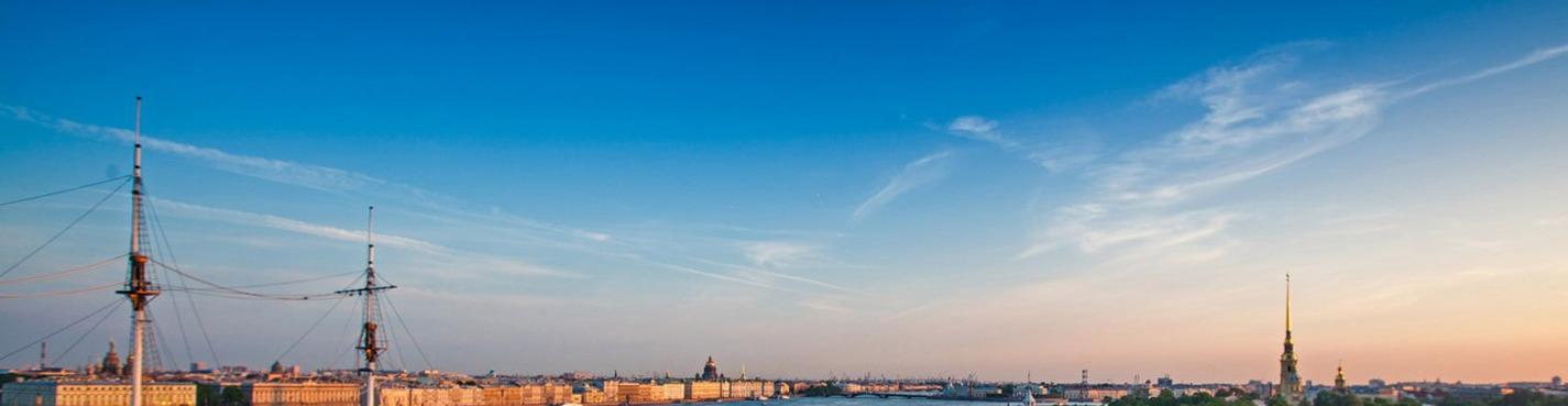 Подъем на крышу с панорамным видом на Неву