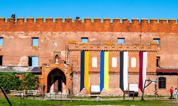Жемчужина Калининградского взморья — Светлогорск и замок Шаакен