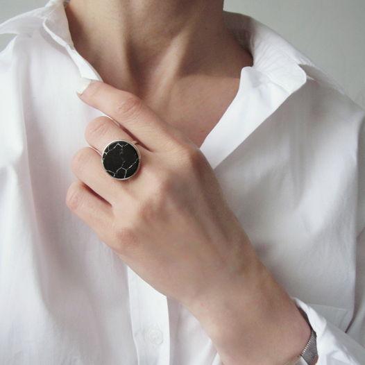 "Серебряное кольцо ""Черный мрамор"" (серебро 925)"