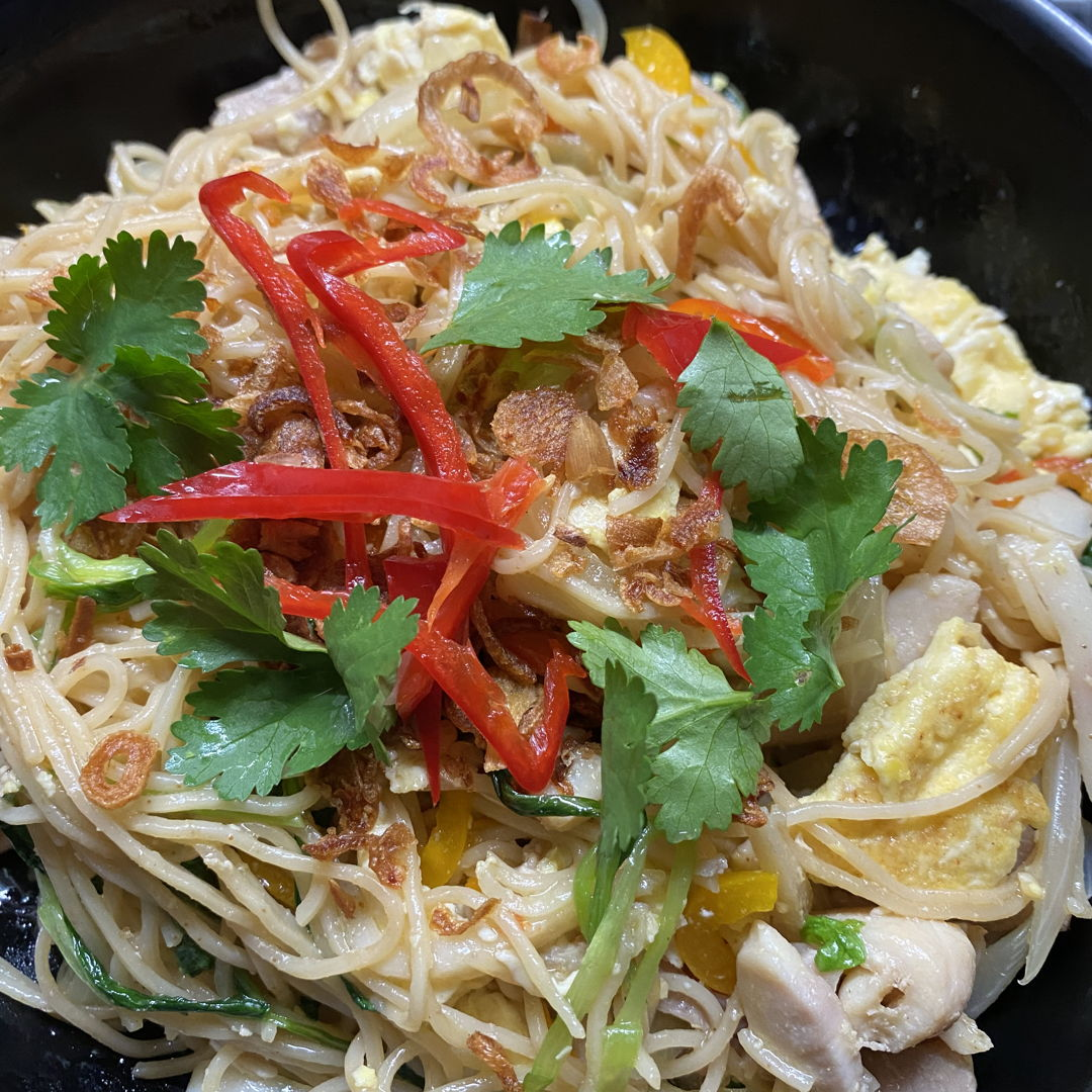 Fried egg noodle