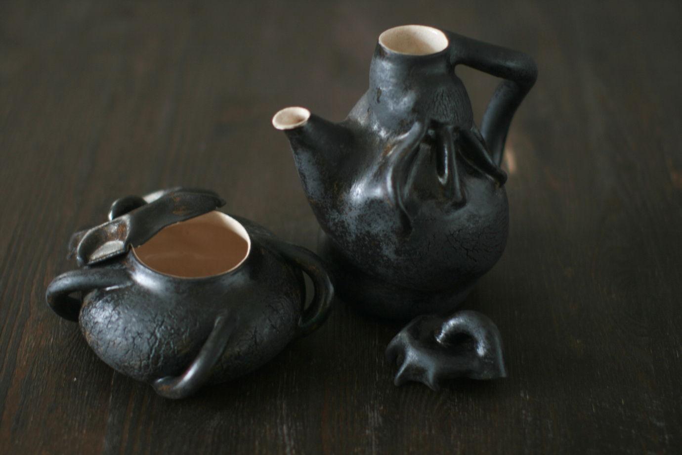 Чайник и сахарница. Чайный набор черный.