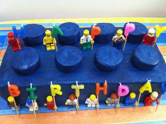 Brick LEGO Birthday Cake